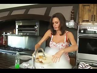 Hot Stepmom...F70