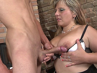 40+ milf needs young cock to fulfill her dreams