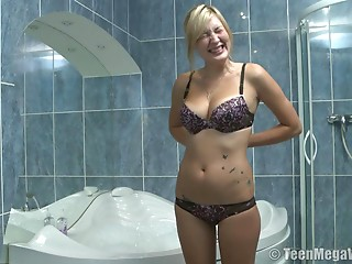 Blond bitch loves being sexed up after taking a washroom