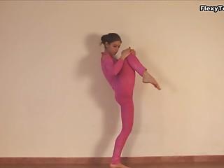 Tiny hotty Irina Galkina enjoys stretching her hawt body