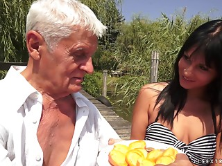 Enthralling lady with natural tits receives the experienced dick