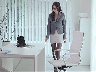 Nasty secretary having a little surpise